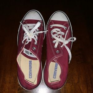 Maroon Low Top Converse Size 9